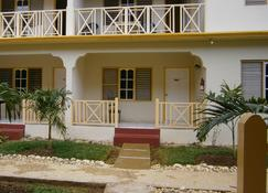 Coral Seas Garden Resort - Negril - Building
