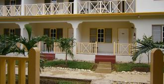 Coral Seas Garden Resort - Negril - Toà nhà
