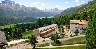 Randolins Familienresort - Sankt Moritz - Rakennus