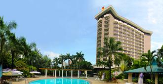 Century Park Hotel - Manila - Edificio