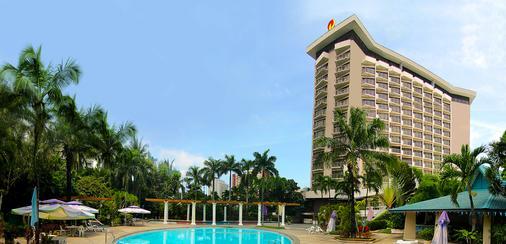 Century Park Hotel - Manila - Rakennus