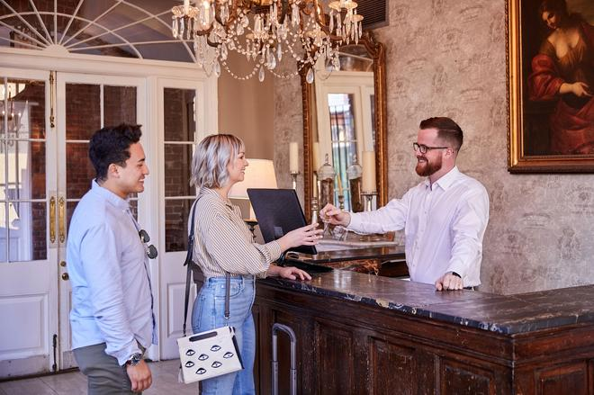新奧爾良城堡飯店 - 新奧爾良 - 櫃檯