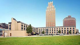 Quality Hotel & Suites At The Falls - Cataratas del Niágara - Edificio