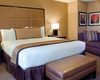 Mariposa Inn & Suites - Monterey - Bedroom