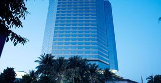 JW Marriott Hotel Surabaya - Surabaya - Edificio