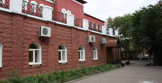Korvet Hotel - אסטרחאן
