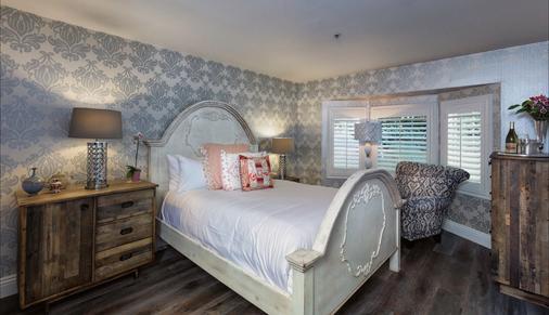 Mirabelle Inn and Restaurant - Solvang - Bedroom