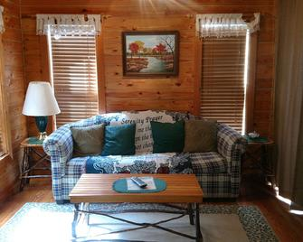 Riverside Log Cabins - Blowing Rock - Living room