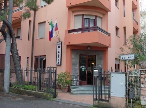 Hotel Niagara Rimini - Rimini - Toà nhà