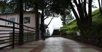 The Moksha Heights - Nainital - Cảnh ngoài trời