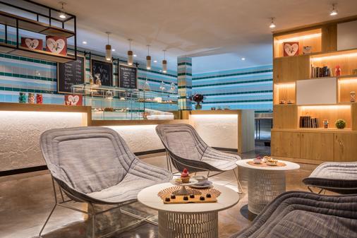 Royal Hideaway Corales Suites - by Barceló Hotel Group - Adeje - Bar
