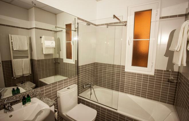 格蘭威亞斯普蘭頓套房酒店 - 馬德里 - 馬德里 - 浴室
