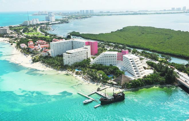 Oasis Palm - Cancún - Beach