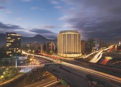 Hotel Cumbres Vitacura - サンティアゴ - 建物