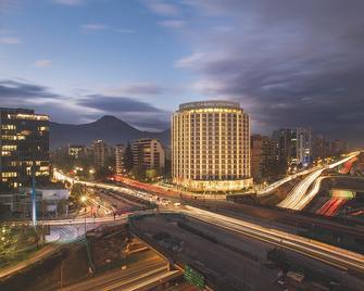 Hotel Cumbres Vitacura - Santiago - Building