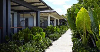 The Island House - נאסאו