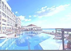 Hyatt Zilara Cancun - Adults Only - Cancún - Svømmebasseng