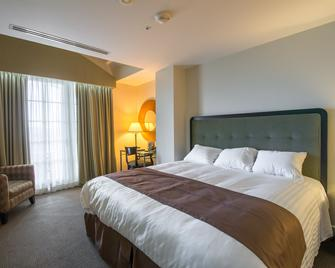 The Glen Club - Glenview - Bedroom