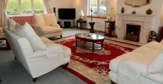 Wardicott - Stornoway - Living room