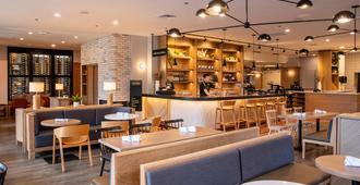 The Elk & Avenue Hotel - Banff - Restaurante
