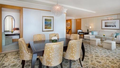 The Ritz-Carlton Dubai International Financial Centre - Dubai - Dining room