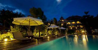 La Tradition de Angkor Boutique Resort - Ciudad de Siem Riep - Piscina