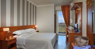 Hotel Piero Della Francesca - Urbino - Κρεβατοκάμαρα