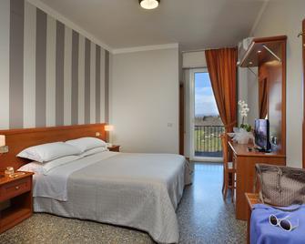 Hotel Piero Della Francesca - Урбіно - Bedroom