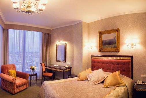 Visotsky Hotel - Yekaterinburg - Phòng ngủ