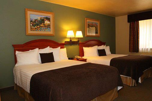 Best Western Plus Colony Inn - Atascadero - Bedroom