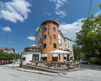 Hotel Iris - Roccaraso - Building