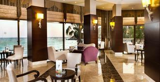 Tusan Beach Resort - Kusadasi - Restaurant