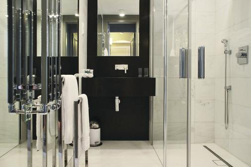 H15 Boutique Hotel - Warsaw - Phòng tắm
