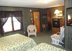 Doray Motel - Lake George - Bedroom
