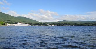 Doray Motel - Lake George - Vista del exterior