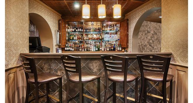 Comfort Inn and Suites At Copeland Tower - Metairie - Baari