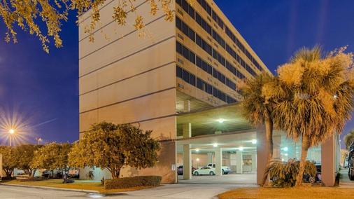 Comfort Inn and Suites Metairie - Metairie - Toà nhà
