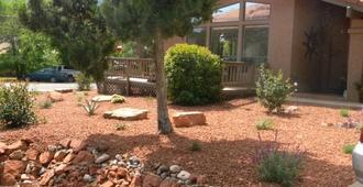 Whispering Creek Bed & Breakfast - Sedona - Edificio
