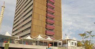 Fiesta Bahia Hotel - Salvador - Building