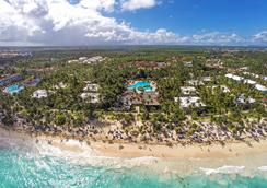 Grand Palladium Palace Resort & Spa - Punta Cana - Beach