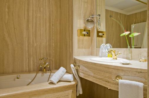 Nixe Palace Hotel - Mallorca - Kylpyhuone