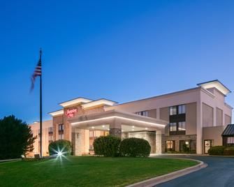 Hampton Inn Iowa City/Coralville - Coralville - Gebäude