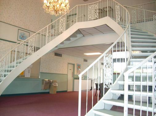 Best Motel Lakeland - Lakeland - Σκάλες
