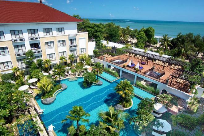 庫塔茵娜大酒店 - 庫塔 - 庫塔 - 游泳池