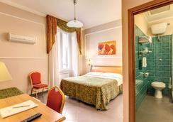 Hotel Continentale - Rome - Bedroom