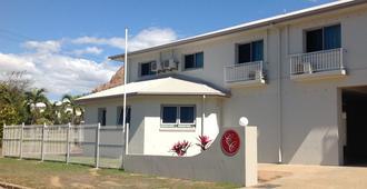 Castle Crest Motel - Townsville