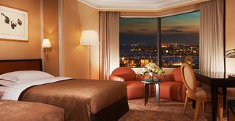 Hotel Hankyu International - אוסקה - חדר שינה