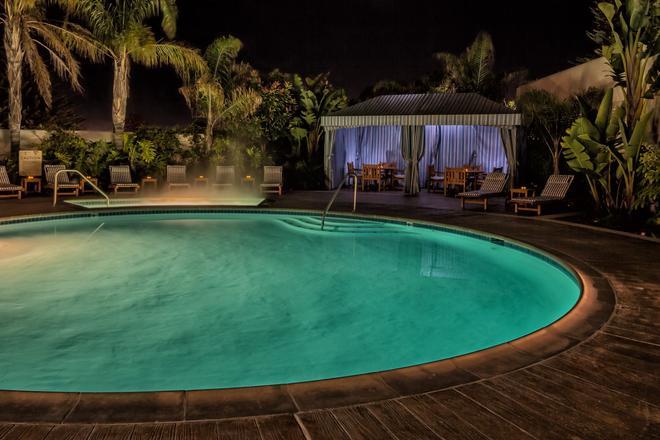 蒙特利灣波托拉溫泉酒店 - 蒙特利 - 蒙特里杰克 - 游泳池