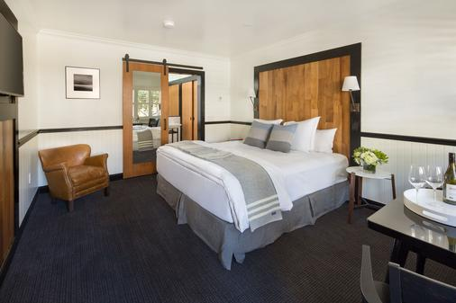 The Hideaway - Carmel-by-the-Sea - Bedroom