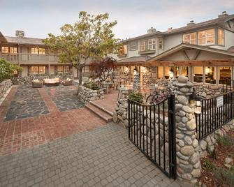 The Hideaway - Carmel-by-the-Sea - Building